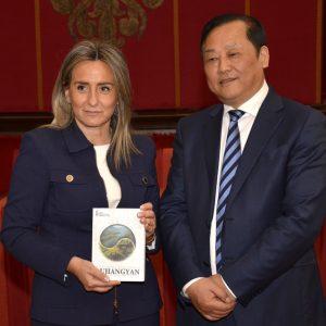 oledo estrecha lazos de colaboración en materia comercial, cultural y turística con la ciudad china de Dujiangyan
