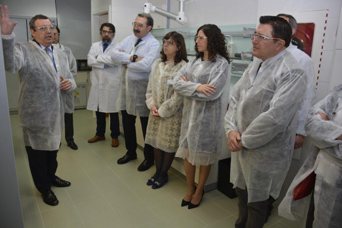 http://www.toledo.es/wp-content/uploads/2019/04/visita-servier_1-1200x800.jpg. Toledo se encuentra entre las ciudades líderes en investigación y desarrollo de alta tecnología asociada a la industria farmacéutica