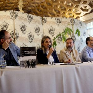 a alcaldesa destaca la contribución de Juan Carlos Pantoja a la  historia literaria toledana con su nueva obra 'La Orden de Toledo'