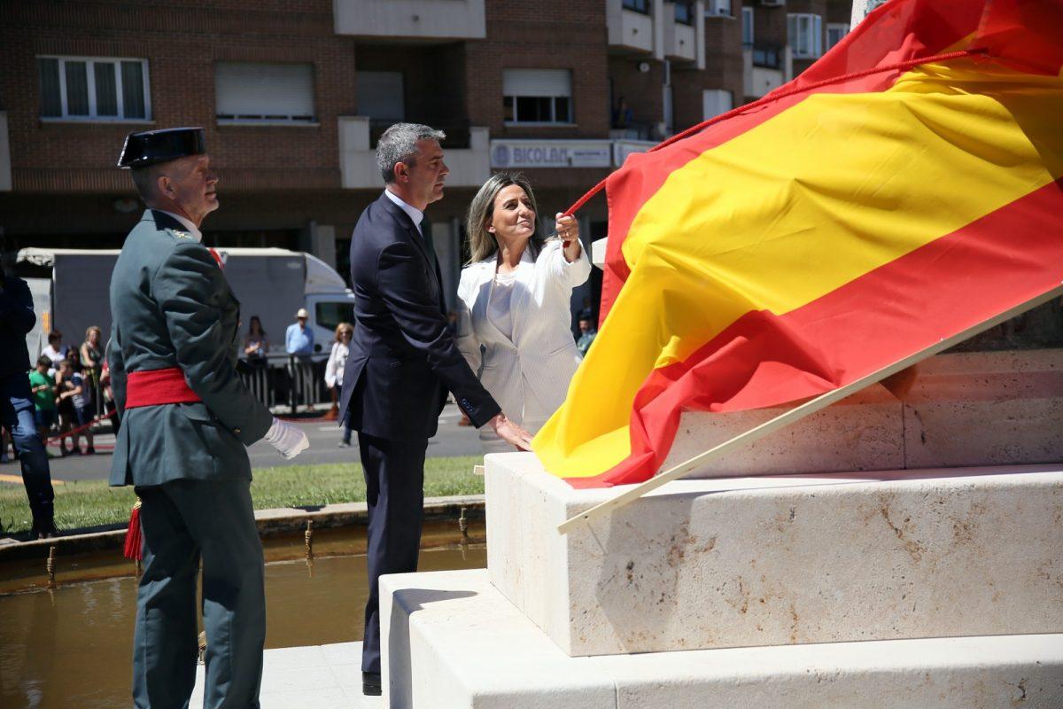 http://www.toledo.es/wp-content/uploads/2019/05/04_monumento_guardia_civil-1200x800.jpg. La alcaldesa participa en el homenaje a la Guardia Civil en su 175 aniversario en la glorieta dedicada por la ciudad al Instituto Armado