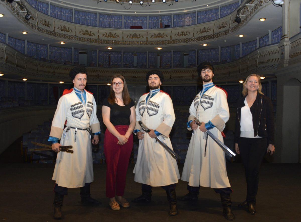http://www.toledo.es/wp-content/uploads/2019/05/foto-presentacion-rojas-02-1200x886.jpg. El Auditorio 'El Greco' acoge este domingo el musical 'Leyendas de Cosacos' del Teatro Estatal de Danza Cosacos de Rusia