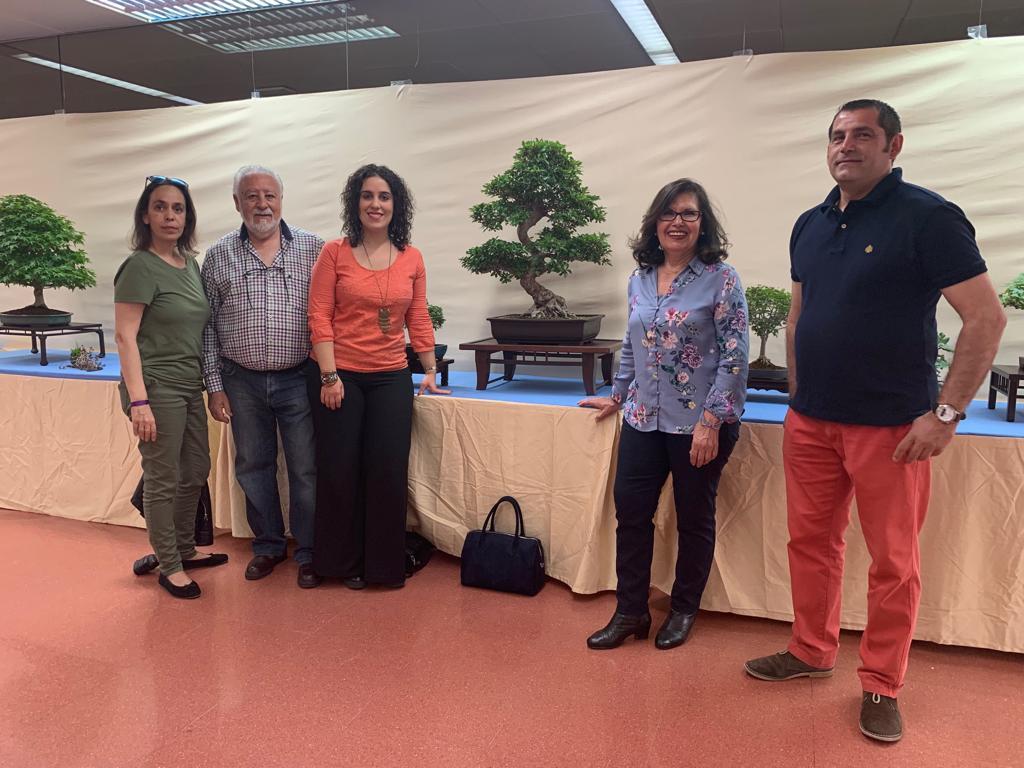http://www.toledo.es/wp-content/uploads/2019/05/inauguracion-club-bonsai.jpg. El Gobierno municipal asiste a la inauguración de la exposición del 'Club Bonsái Toledo' que se podrá visitar hasta el domingo en el Centro Social del Polígono