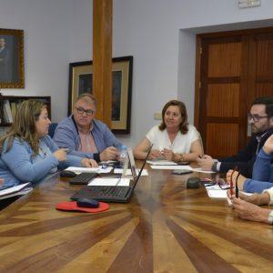 a Mesa de Calidad Turística se reúne para evaluar los expedientes de las empresas y servicios adheridos al SICTED