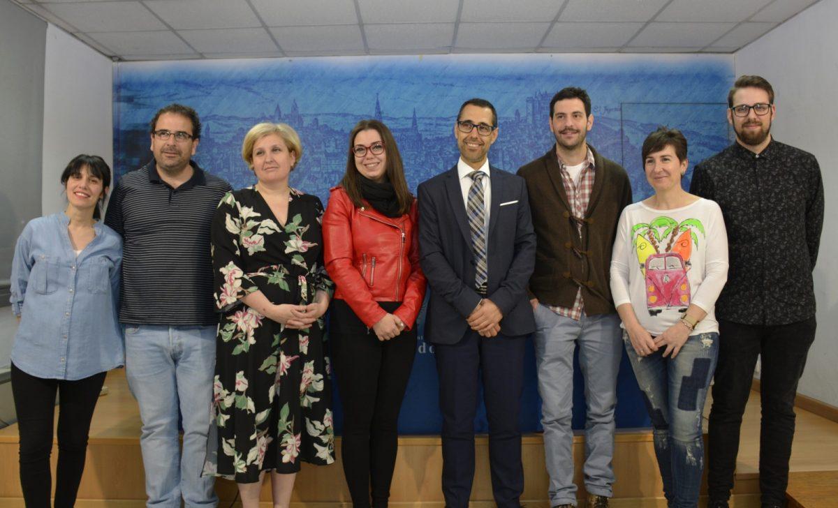 http://www.toledo.es/wp-content/uploads/2019/05/presentacion-feria-libro-2019-1200x728.jpg. Más de 50 actividades literarias y festivas forman parte del programa de la XIV Feria del Libro que se celebrará del 11 al 19 de mayo