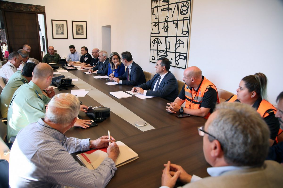 http://www.toledo.es/wp-content/uploads/2019/06/02_reunion_seguridad-1200x800.jpg. La alcaldesa preside la Junta de Seguridad Local del Corpus en la que se establecen los protocolos para el buen desarrollo de la fiesta