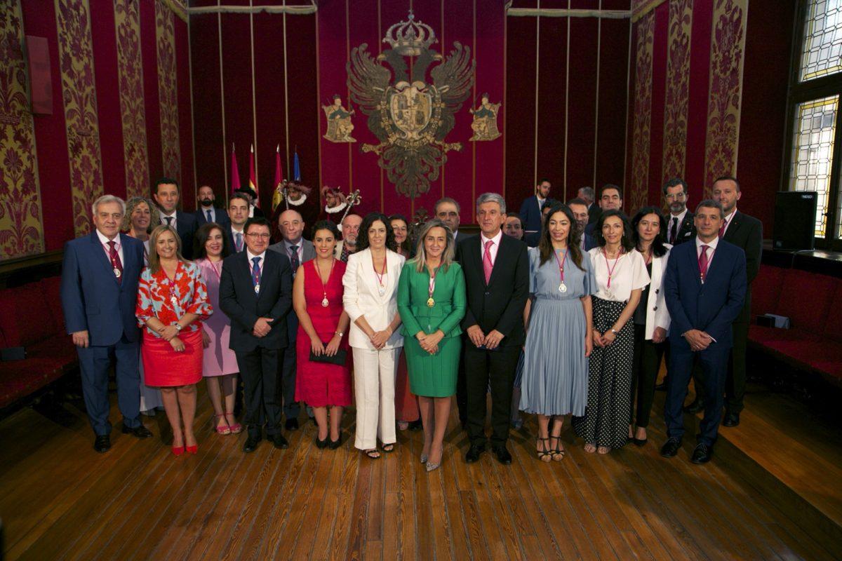 https://www.toledo.es/wp-content/uploads/2019/06/04_toma_posesion-1200x800.jpg. Constituida la nueva Corporación Municipal