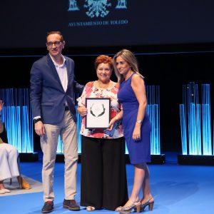 """a alcaldesa destaca en la entrega de los II Premios Excelentes la importancia de visibilizar """"historias de superación y solidaridad"""""""