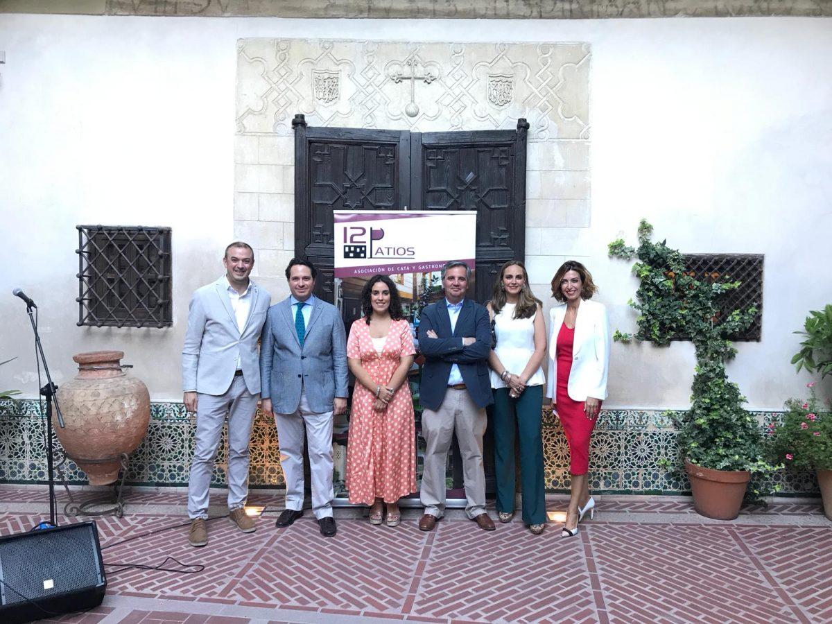 """http://www.toledo.es/wp-content/uploads/2019/06/12patios-1-1200x900.jpeg. El Ayuntamiento destaca la recuperación de los patios como """"lugar de encuentro"""" en la presentación de la asociación '12 Patios'"""