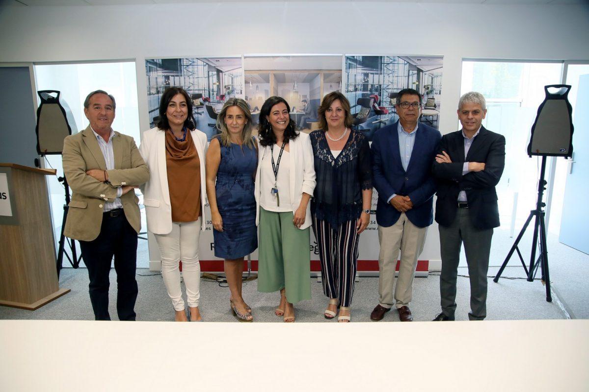 http://www.toledo.es/wp-content/uploads/2019/06/15_regus_coworking-1200x800.jpg. La alcaldesa destaca que Toledo es una ciudad competitiva, idónea para hacer negocios y con oportunidades de crecimiento económico