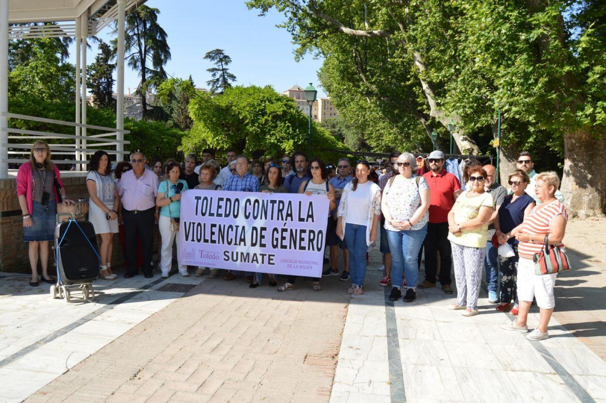 http://www.toledo.es/wp-content/uploads/2019/06/concentracion-junio-1200x798.jpg. El Consejo Local de la Mujer exige el fin de la violencia machista y entendimiento político para impulsar cambios legislativos