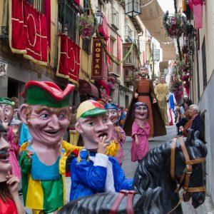 Cabalgata anunciadora y desfile de gigantones