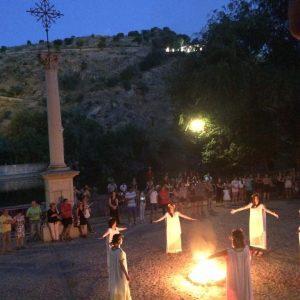 oledo celebra la Noche de San Juan con un espectáculo de rituales mágicos en el Casco y 'La Hoguera de los Cuentos' en el Polígono