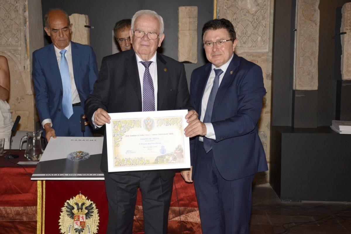 """https://www.toledo.es/wp-content/uploads/2019/06/premios_rabacht03-1200x800.jpg. El Gobierno local destaca el """"compromiso con la colectividad"""" de los galardonados en los VII Premios de la Real Academia"""