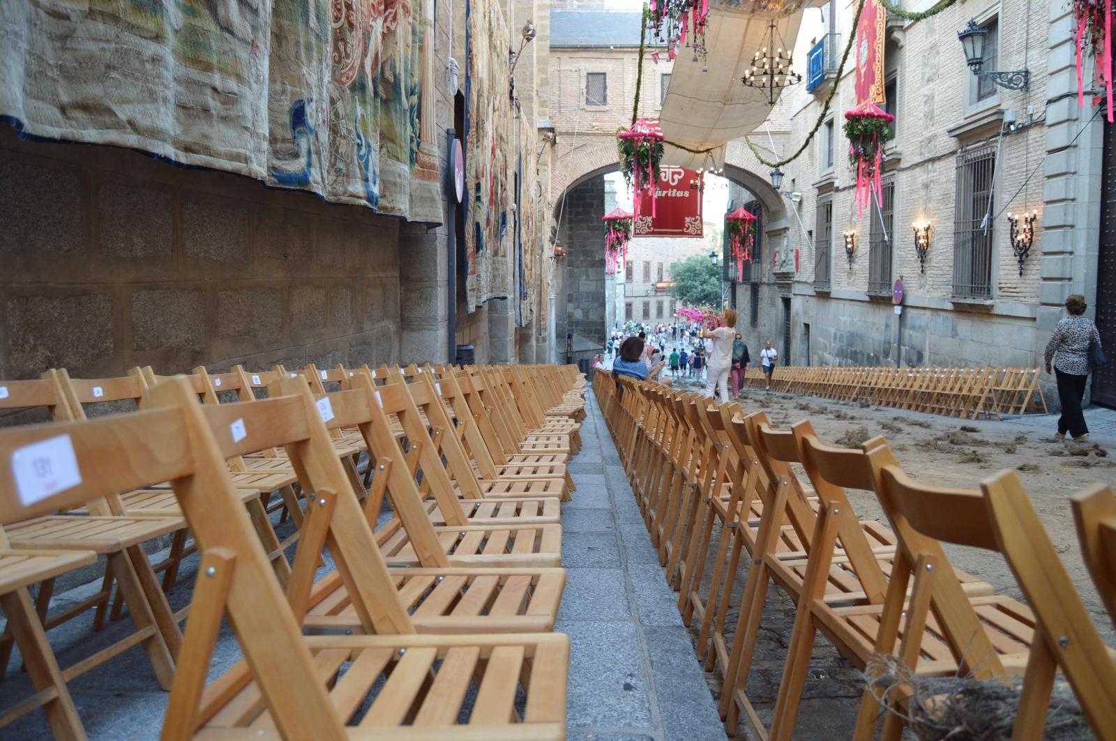 3f6a48453e29 Este lunes, día 10, salen a la venta a través de internet y de manera  presencial las 2.500 sillas para la procesión del Corpus Christi    Ayuntamiento de ...