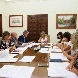 a Junta de Gobierno aprueba la adquisición de estanterías móviles con capacidad para 5.500 cajas para el Archivo Municipal