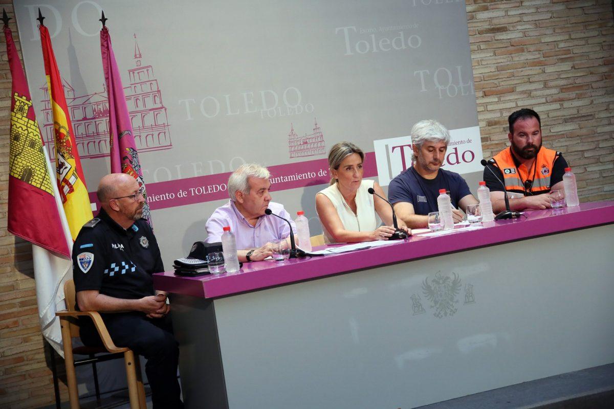 https://www.toledo.es/wp-content/uploads/2019/07/02_rueda_prensa_incendio-1200x800.jpg. La alcaldesa resalta la coordinación de los servicios de emergencia y las administraciones en la extinción del incendio de Montesión