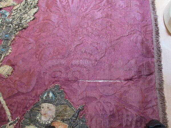 07 - Desgarro en tejido de damasco