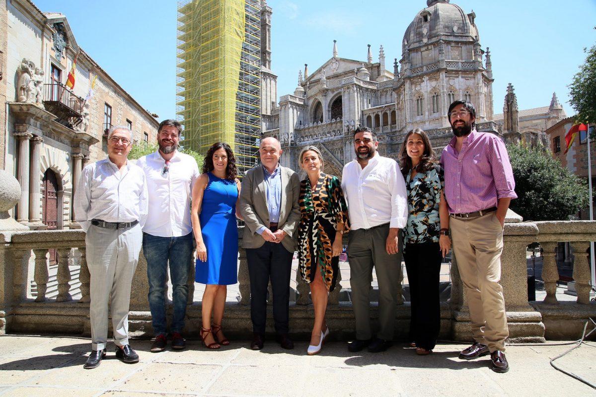 http://www.toledo.es/wp-content/uploads/2019/07/08_reunion_hosteleros-1200x800.jpg. Milagros Tolón recibe a la Asociación de Hostelería y Turismo para avanzar en nuevas iniciativas y afianzar el destino turístico 'Toledo'