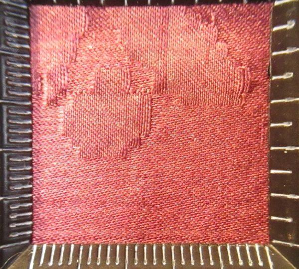 17 - Macrofotografía tejido de damasco