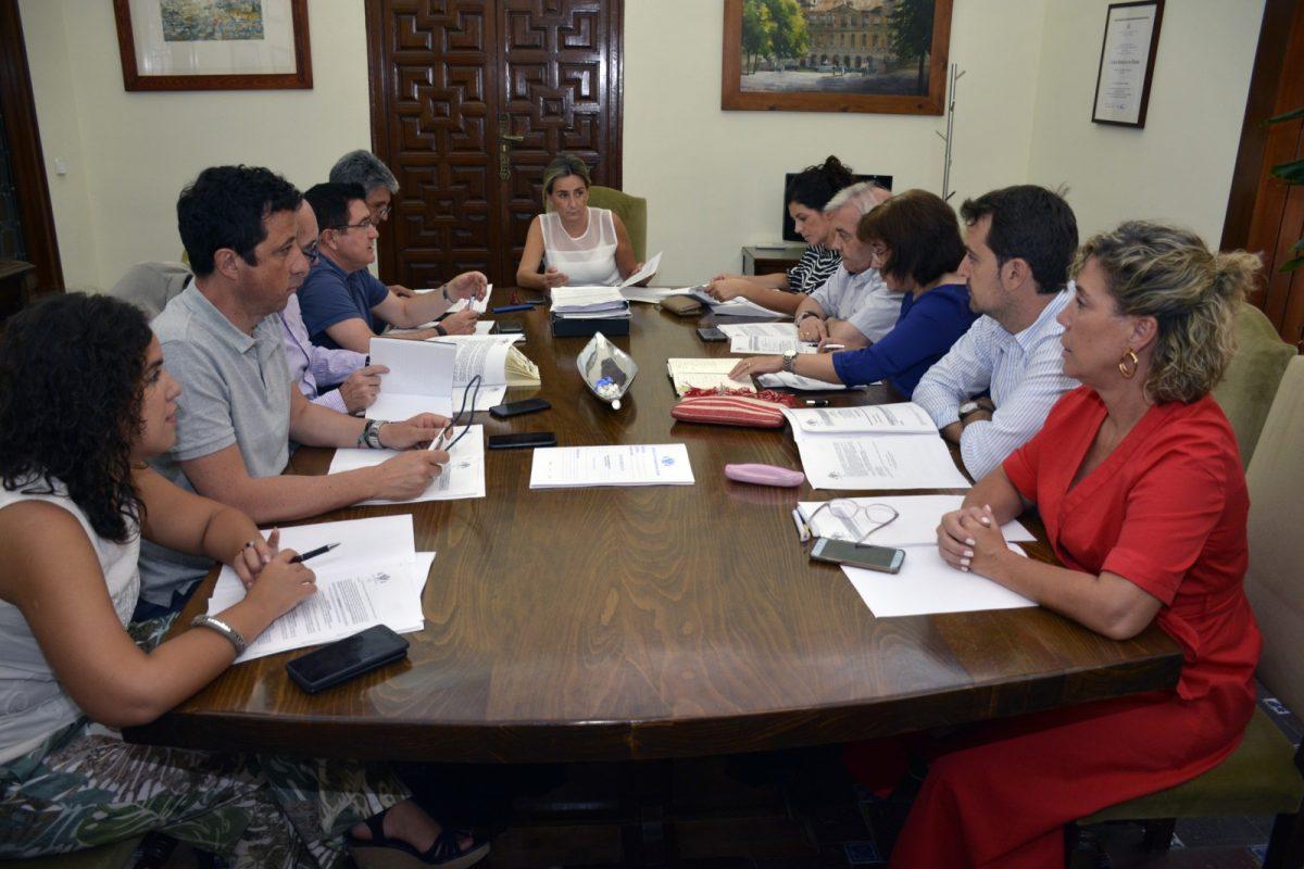 https://www.toledo.es/wp-content/uploads/2019/07/20190710_jgl-1200x800.jpg. Junta de Gobierno Local