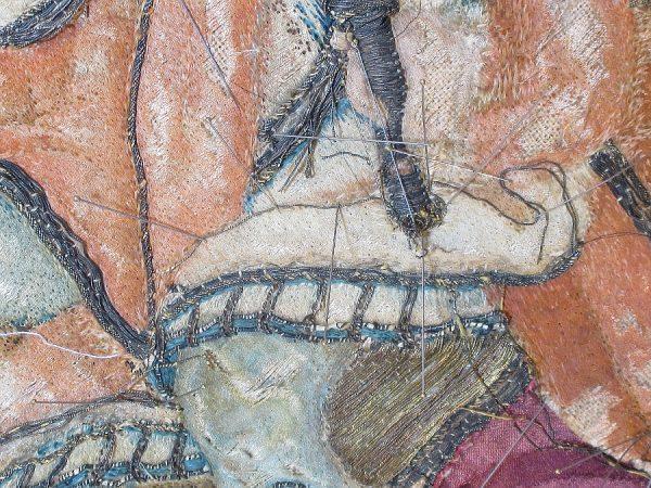 26 - Colocación hilos metálicos manto rey