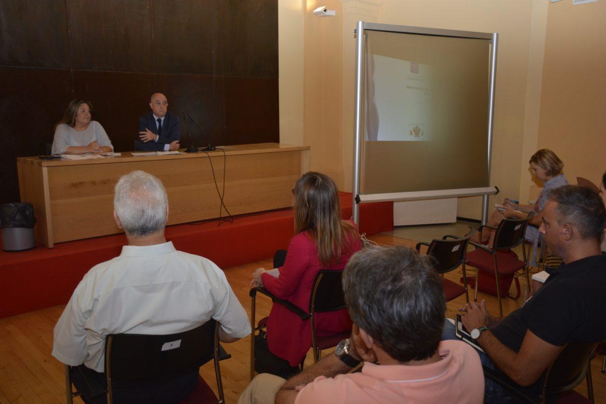 http://www.toledo.es/wp-content/uploads/2019/07/dsc0320-1200x800.jpg. El Ayuntamiento tiende la mano a las empresas del SICTED para avanzar en proyectos culturales como 'La Noche del Patrimonio'