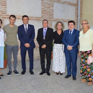 l Ayuntamiento respalda las actividades de las fiestas culturales del barrio de Azucaica