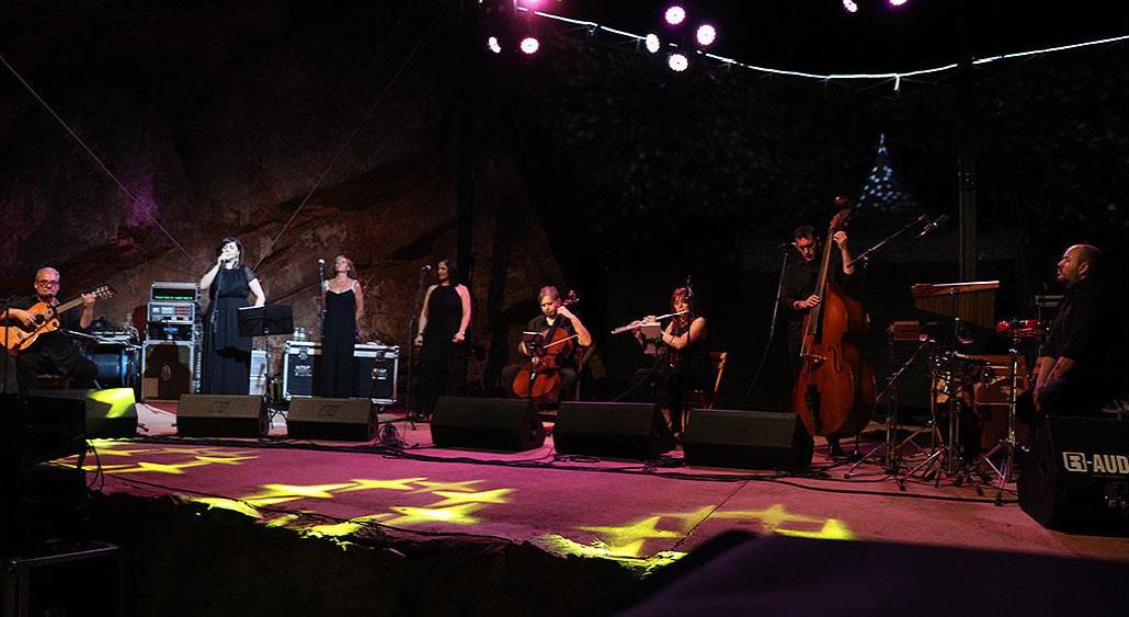 https://www.toledo.es/wp-content/uploads/2019/07/foto-camerata-cervantina-01.png. La Camerata Cervantina, propuesta para este sábado del Festival 'Músicas del Mundo' con taller de iniciación a la jota manchega