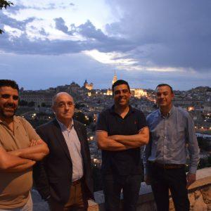 os hosteleros valoran la decisión del Gobierno municipal de mantener la iluminación artística monumental de mayo a octubre