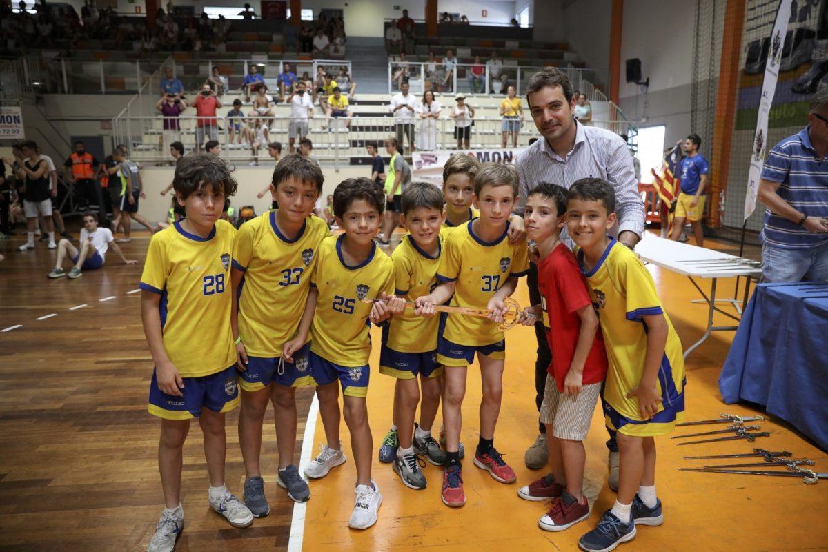 https://www.toledo.es/wp-content/uploads/2019/07/img_0460-1200x800.jpg. El Ayuntamiento participa en la entrega de trofeos del Torneo Internacional de HandBall Cup con más de un millar de participantes