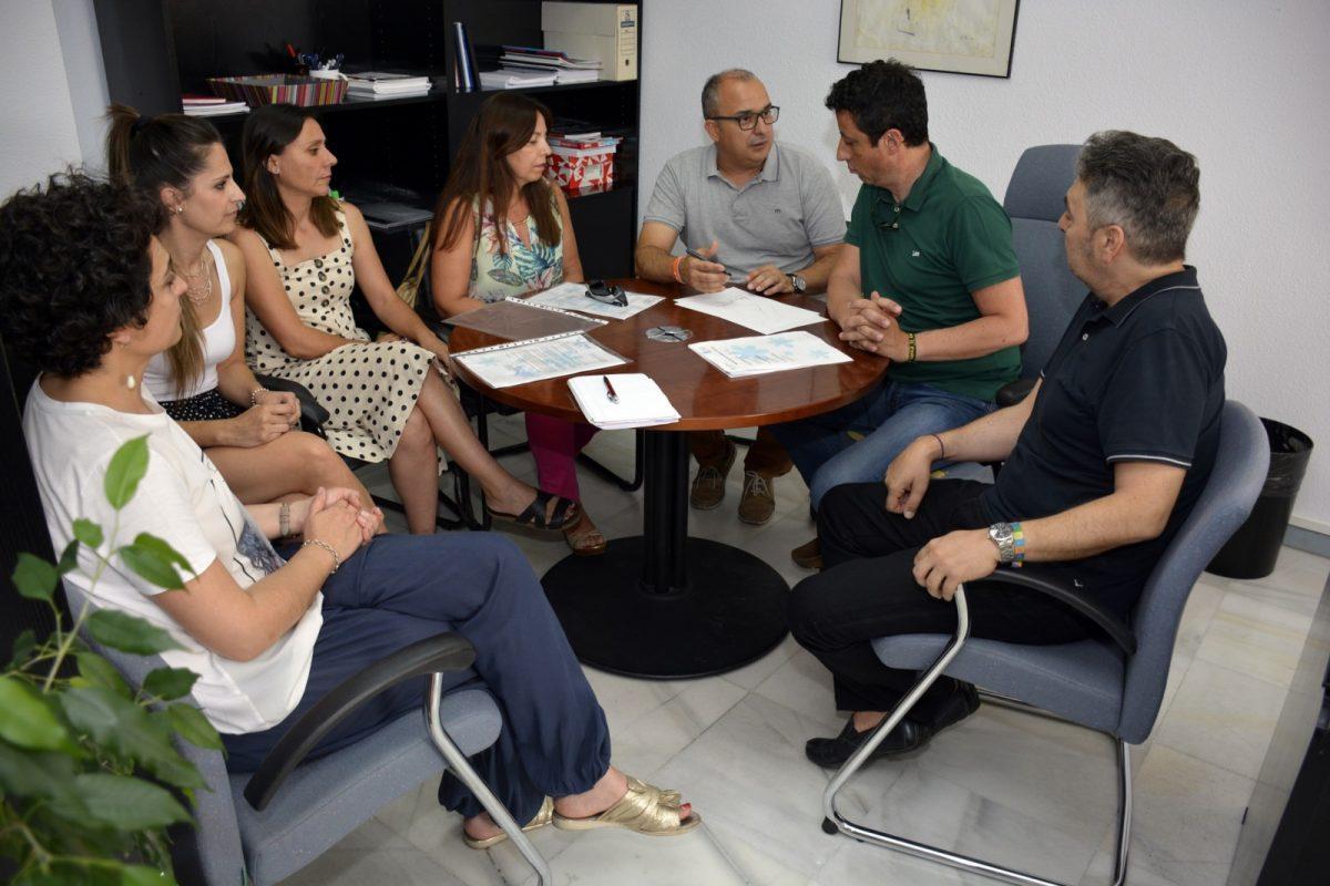 http://www.toledo.es/wp-content/uploads/2019/07/reunion_escuelas_infantiles-1200x800.jpg. Reunión de trabajo con los responsables de las Escuelas Infantiles Municipales para perfilar el nuevo curso 2019-2020