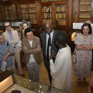 a Biblioteca regional expone por primera vez documentos del Fondo Kati en la sala Borbón Lorenzana con el apoyo municipal