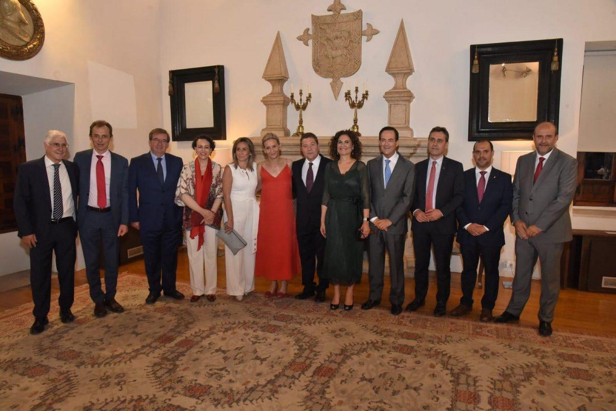 """http://www.toledo.es/wp-content/uploads/2019/07/tomaposesion-2-1200x800.jpeg. Milagros Tolón destaca la apuesta de García-Page por un desarrollo """"sostenible, cohesionado y competitivo de la región"""""""