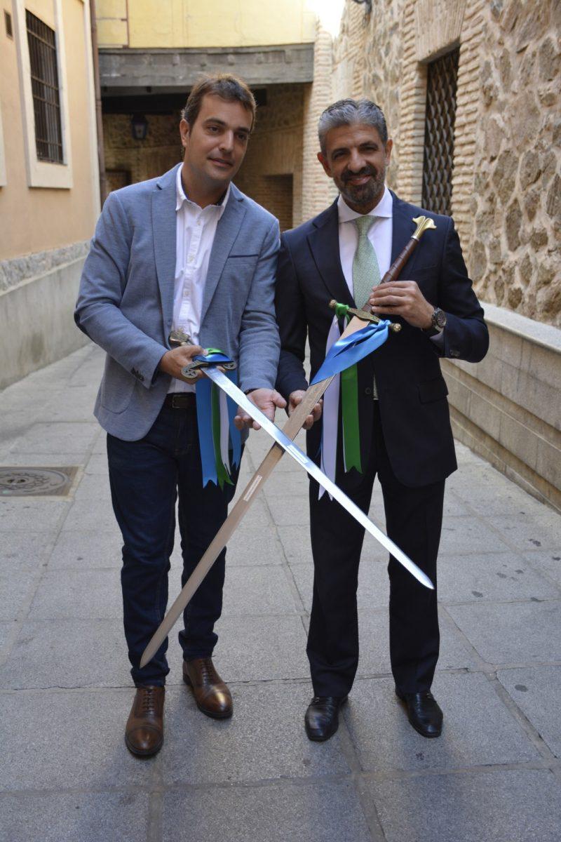 http://www.toledo.es/wp-content/uploads/2019/08/dsc0690-800x1200.jpg. El Trofeo Feria de Fútbol enfrentará el sábado al CD Toledo frente al Getafe B y sustituirá la copa por la espada toledana como novedad