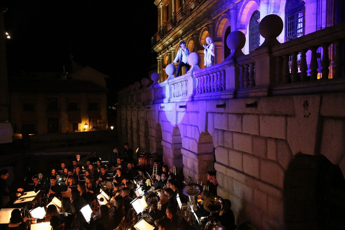 http://www.toledo.es/wp-content/uploads/2019/09/0016_noches_patrimonio-1200x800.jpg. La alcaldesa destaca el éxito de la Noche del Patrimonio y asegura que la cultura seguirá siendo uno de los pilares de su gestión
