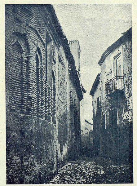003_TRA-1924-210-Callejón de Santa Isabel-Foto Clavería