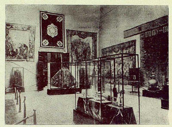 009_TRA-1930-280-Exposición de Barcelona, vista general de la sala