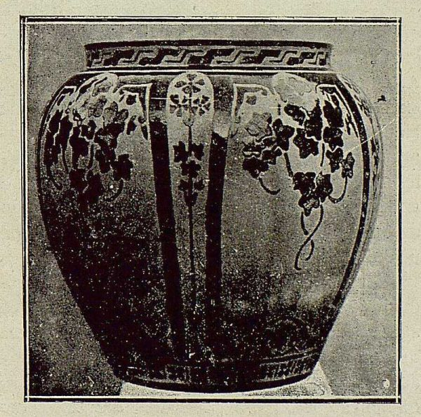 016_TRA-1921-163 - Cerámica de Aguado, macetero