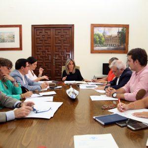 a Junta de Gobierno del Ayuntamiento autoriza renovar cinco vehículos patrulla de la Policía Local