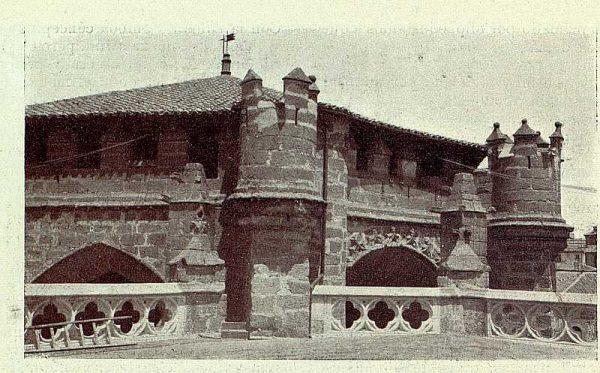 030_TRA-1928-253-Catedral, tejado que cubre la Capilla de Santiago-Foto Rodríguez