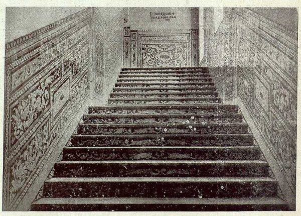 034_TRA-1920-149-Tramo de escalera de la Casa de Cisneros del Ayuntamiento de Madrid, obra de Ruiz de Luna