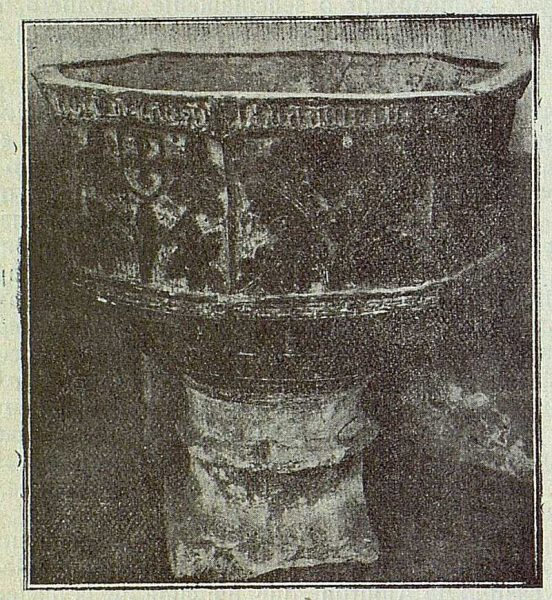 036_TRA-1917-079 - Pila donde fue bautizado Francisco de Rojas y Zorrilla