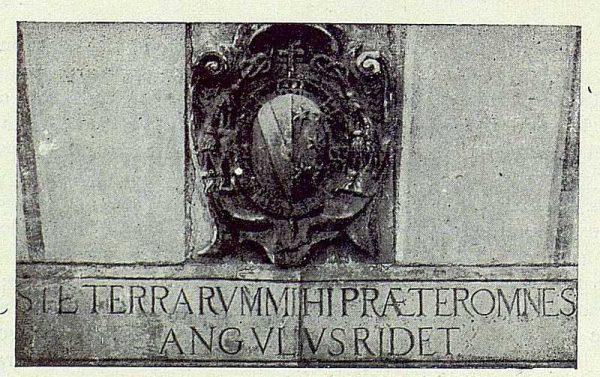 037_TRA-1922-181 - Palacio de Buenavista, escudo - Foto Rodríguez