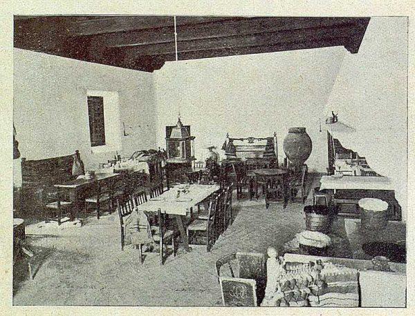 039_TRA-1930-281-282-Alcalá de Henares, hostería del Estudiante, interior