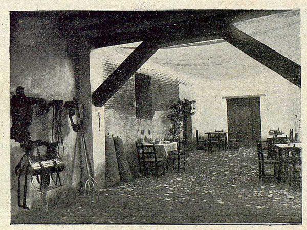 041_TRA-1930-281-282-Alcalá de Henares, hostería del Estudiante
