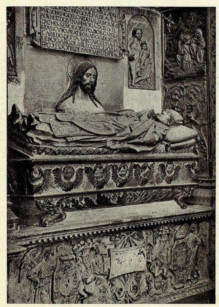 049_TRA-1928-251-Catedral, capilla de San Ildefonso, sepulcro obispo Alonso Carrillo de Albornoz-Foto Clavería