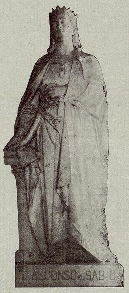 051_TRA-1921-175 - Estatua de Alfonso X el Sabio - Foto Camarasa
