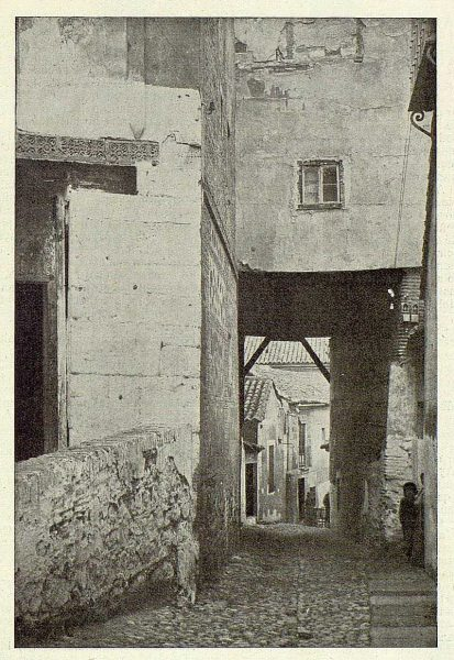 055_TRA-1925-225-Cobertizo del Colegio de Doncellas-Foto Clavería