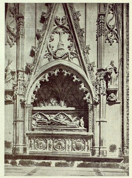 055_TRA-1929-266-Catedral, capilla de Santiago-Foto Clavería