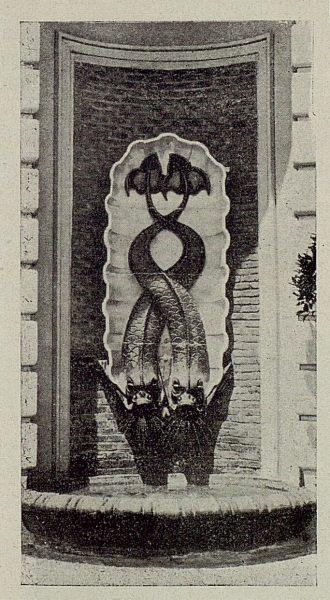 055_TRA-1929-272-Pabellón de Toledo en Sevilla, fuente de cerámica de Ruiz de Luna